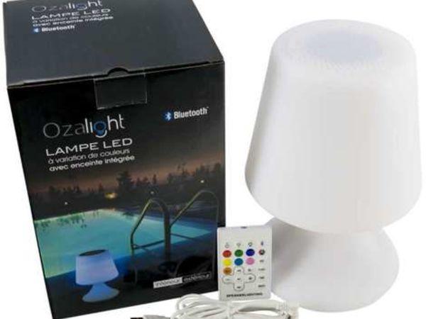 Lampe autonome modèle abat-jour, enceinte bluetooth