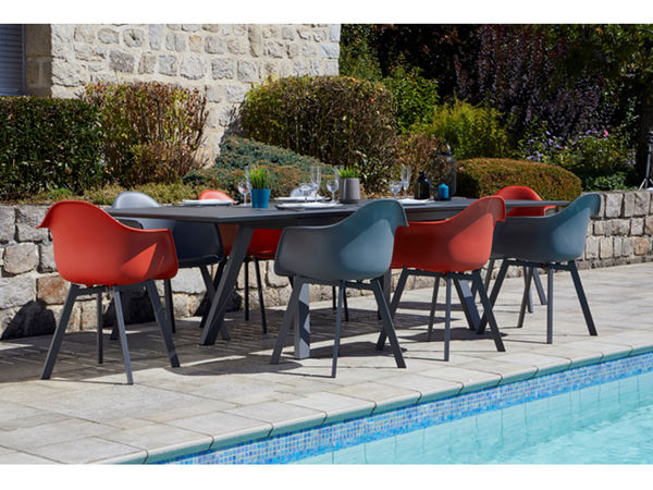 Ensemble Malouines  ( 1 table aluminium + 8 fauteuils )